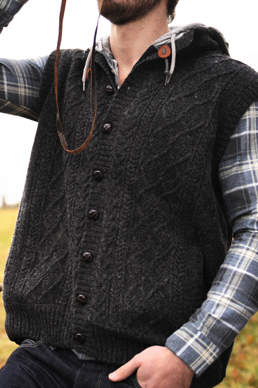 Aran Woollen Mills by Carraig Donn Irish Mens Wool Aran Sweater Lined Cable Knit Vest Body Warmer with Hood